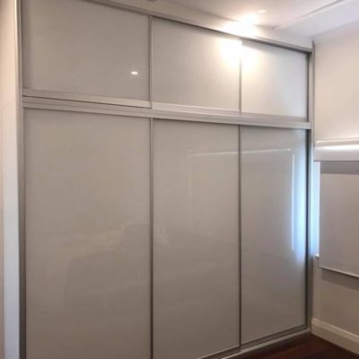 Super white glass two-tier sliding wardrobe
