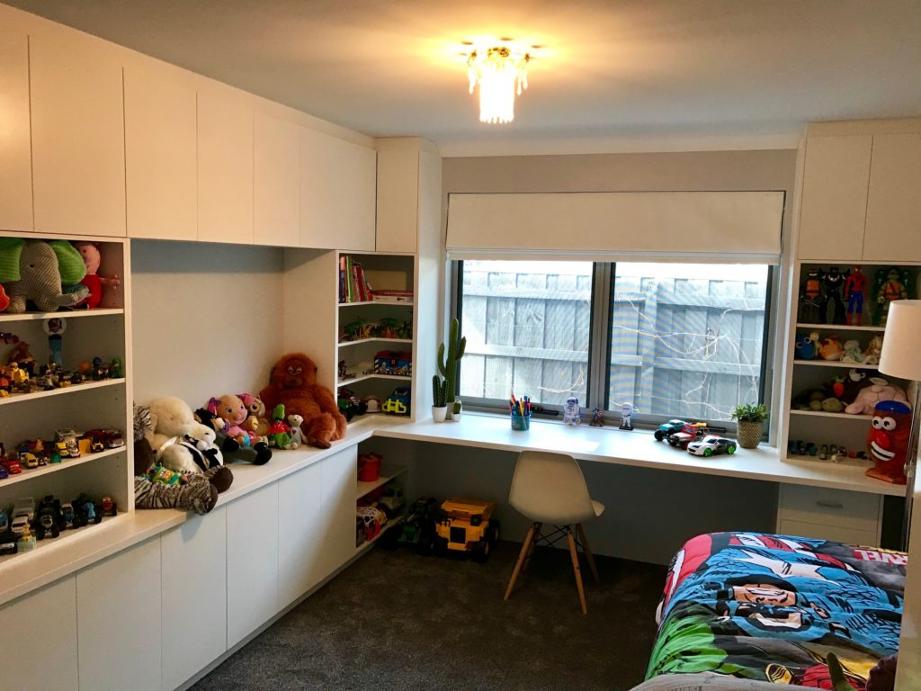Kids bedroom with desk