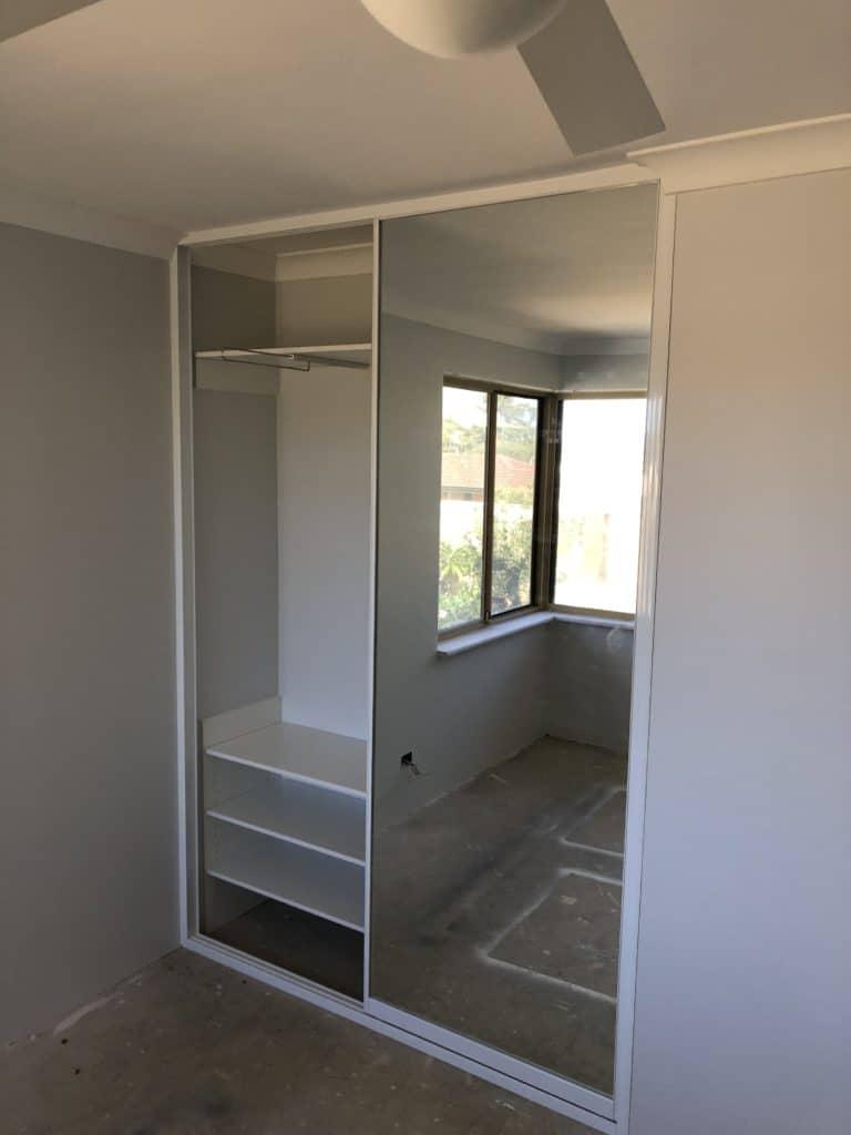 Mirror door built in wardrobe