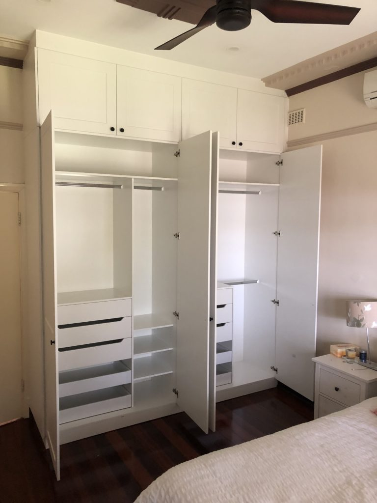 Internal layout two tier wardrobe