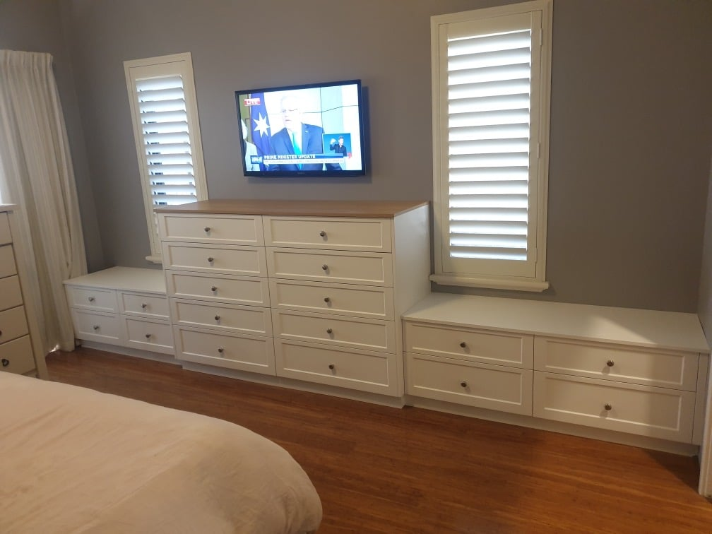 Bedroom drawer units